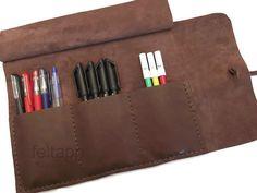 astuccio+in+pelle++per+penne+e+matite+o+pennelli+di+FeltApp+su+DaWanda.com