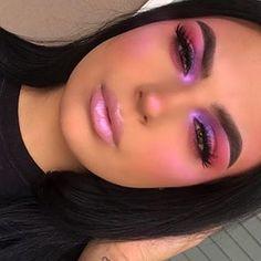 81 Best Cutest Pink Eyeshadow makeup Looks You Should Try 💖 - Page 21 ♥ 𝙄𝙛 𝙔𝙤𝙪 𝙇𝙞𝙠𝙚, 𝙅𝙪𝙨𝙩 𝙁𝙤𝙡𝙡𝙤𝙬 𝙐𝙨 ♥ ♥ ♥ ♥ ♥ ♥ ♥ ♥ ♥ Hope you love this pink eyeshadow makeup ideas ! ღ 𝓒𝓾𝓽𝓮𝓼𝓽 𝓹𝓲𝓷𝓴 Glam Makeup, Eye Makeup Art, Blue Eye Makeup, Smokey Eye Makeup, Makeup Inspo, Makeup Inspiration, Makeup Tips, Beauty Makeup, Makeup Ideas