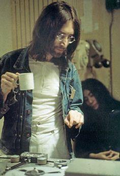 1966: JOHN LENNON- HIPPIE, FLOWER POWER. 'Good Day Sunshine' - 100 Greatest Beatles Songs