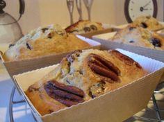 Petits gâteaux au yaourt, avoine, amandes, pommes, noix & raisins secs