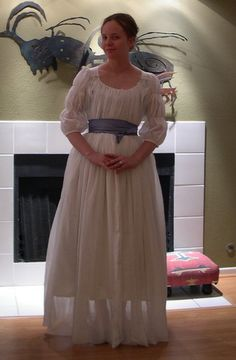 koshka, front of chemise note: sleeves, wrapping sash also note: underskirt is inches shorter than overskirt 18th Century Fashion, Period Costumes, Edwardian Era, Bridesmaid Dresses, Wedding Dresses, Marie Antoinette, Bridal Gowns, Gaulle, Dress Up