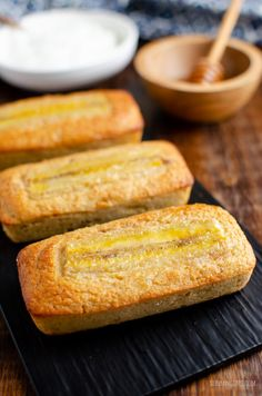 A perfect breakfast treat - delicious gluten-free Low Syn Mini Banana Raisin Loaf This is yummy recipe that was previously published on Slimming Eats has been improved and updated So tonight I fancied cake and Easy Slimming World Recipes, Slimming World Desserts, Slimming World Breakfast, Slimming Eats, Yummy Pasta Recipes, Sweet Recipes, Delicious Desserts, Rice Recipes, Soup Recipes