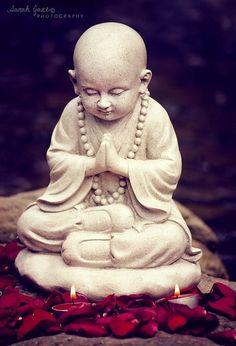 Buddha Art Buddha, Small Buddha Statue, Buddha Decor, Gautama Buddha, Buddha Buddhism, Alberto Giacometti, Buda Zen, Buddhist Practices, Little Buddha