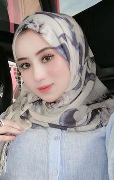 gorgeous babes, hot beautiful girl selfies, girls t Beautiful Muslim Women, Beautiful Hijab, Indonesian Girls, Hijab Tutorial, Hijab Chic, Girls Selfies, Traditional Fashion, Muslim Girls, Interesting Faces