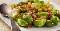 A hagymás-baconös kelbimbó egyszerű, mégis nagyon ízletes, és az összeállítása kevés időt vesz igénybe. Leafy Salad, Sous Vide Cooking, What's Cooking, Sprouts With Bacon, Cooking Recipes, Healthy Recipes, Delicious Recipes, Tasty, Thanksgiving Side Dishes