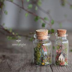 Miniature Crafts, Miniature Fairy Gardens, Miniature Dolls, Glass Bottle Crafts, Bottle Charms, Bottle Necklace, Diy Arts And Crafts, Jar Crafts, Altered Bottles