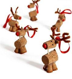 Cork reindeer! Adorable!