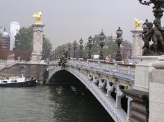 Alexandre's bridge  Shimmers of Pearl