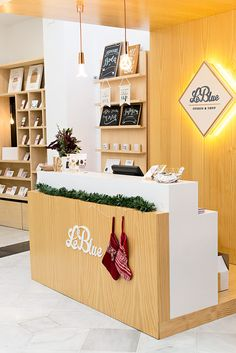 #LEBLUESHOP estudio de diseño gráfico para celebraciones y tienda de eventos, papelería y regalos en Sevilla. España.