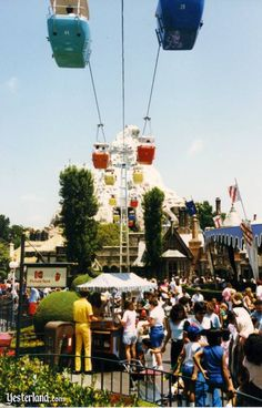 "The ""skyway"" from Fantasy land to Tomorrow land. This used to be the best place to smoke a bowl at Disneyland. Disneyland's Skyway to Tomorrowland in 1987 Disneyland Photos, Vintage Disneyland, Disneyland Resort, Old Disney, Disney Love, Disney Magic, Disney Theme, Disney Stuff, Disney California Adventure"