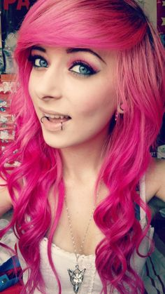 Look at this girl and the way she rocks that pink hair!