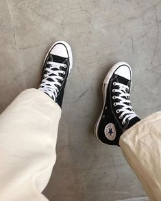 Dr Shoes, Swag Shoes, Hype Shoes, Me Too Shoes, Mode Converse, Converse All, Black Converse, Converse High Cut, Aesthetic Shoes