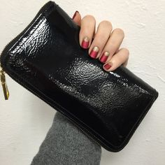 Pro tip: metallic lacquers have a velvet finish when used with Matte Finish topcoat. This beautiful holiday nail by butter LONDON is Knees Up (a red metallic) topped with Matte Finish. West End Wonderland is used as a gorgeous half moon accent to add more texture. Find the products used to create this look on Sephora's #TheBeautyBoard.