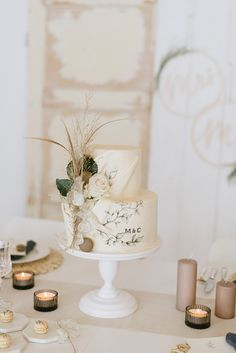 Unusual Wedding Cakes, Small Wedding Cakes, Creative Wedding Cakes, Wedding Sweets, Wedding Cakes With Cupcakes, Beautiful Wedding Cakes, Rustic Bohemian Wedding, Romantic Wedding Decor, Wedding Cake Rustic