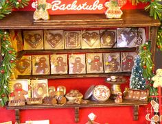 "German Miniature Christmas Market Stall ""Gingerbread"" 1:12"
