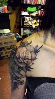 Rose black and gray tattoo on upper sleeve , tattoo by Hong Kong Tattoo Artist : F Cheung