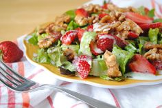 Salad- fresh greens, strawberries, unsalted walnuts, carrots, and green peppers topped with a light, oil based dressing - add lean protein such as boneless/skinless chicken breast or tunafish
