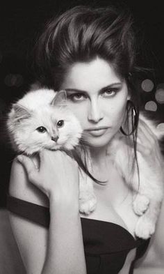 Letitia Casta and Karl Lagerfeld's cat