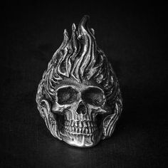 """#skull # ring #skullring #fourspeed #fourspeedmetalwerks #pewter #handmade This is """"Hellrider"""" a skull ring based on lead free pewter that made by Fourspeed Metalwerks, a top class brand that have worked with well-known musicians, artists and professional athletes."""