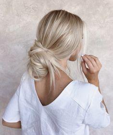 46 Platinum Pearl Blonde Hair Colors For Long Hair Hair Medium Length Hairstyles, Cute Hairstyles For Medium Hair, Cute Simple Hairstyles, Cool Hairstyles, Beautiful Hairstyles, Medium Blonde Hair, Hairstyle Ideas, Blonde Pixie Cuts, Wedding Hairstyles