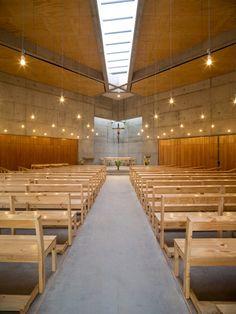 San Alberto Magno Chapel / Juan Pavez Aguilar + José Requesens Aldea | ArchDaily