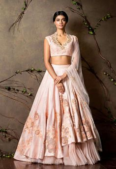 Get yourself dressed up with the latest lehenga designs online. Explore the collection that HappyShappy have. Select your favourite from the wide range of lehenga designs Indian Lehenga, Lehenga Sari, Bridal Lehenga, Anarkali, Sabyasachi, Sharara, Sarees, Indian Wedding Gowns, Indian Bridal