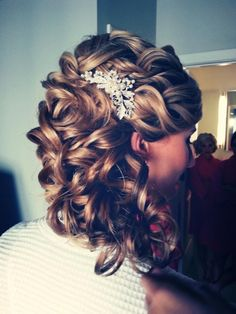 I'm really loving this look! Nothing too intricate, but the curls are gorgeous and with the right hair accessory this could be perfect.