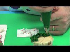 Decorating Christmas Cupcakes with Chef Alan Tetreault of Global Sugar Art