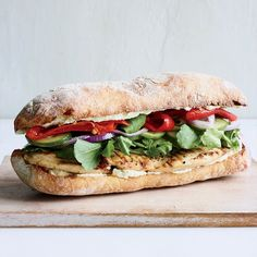 Looking for Chicken Sandwiches recipes? Find the best Chicken Sandwiches ideas on Food & Wine with recipes that are fast & easy. Grilled Chicken Sandwiches, Meat Sandwich, Chicken Sandwich Recipes, Chicken Flavors, Feta, Wine Recipes, Cooking Recipes, Tofu Recipes, Cooking Tips