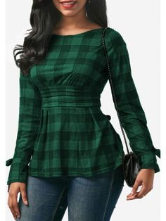 Green-Black Plaid Print Backless Pleated Cross Back Peplum Long Sleeve Christmas Cute T-Shirt Modest Outfits, Chic Outfits, Pretty Outfits, Fashion Outfits, Green Outfits For Women, Fancy Tops, Blouse Designs, Creations, Couture