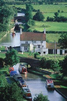 English Countryside. English scenery. English river and barges.