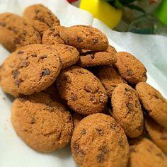 チョコレートムースに引き続き 第2弾はクッキー。 せっせと焼きます - 65件のもぐもぐ - White day第2弾‼︎チョコチップクッキー by yurinecafe