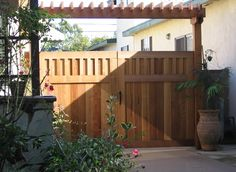 Redwood Double Gate and Trellis