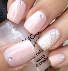 Light Pink Nails with Glitter Accent and Rhinestones - prom nails Trendy Nails, Cute Nails, Casual Nails, Acrylic Nails, Gel Nails, Pink Acrylics, Coffin Nails, Nail Nail, Nail Polishes