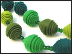 Felt Necklace, Kids Necklace, Fabric Necklace, Necklaces, Fabric Beads, Paper Beads, Felt Fabric, Diy Jewelry Recycled, Jewelry Crafts