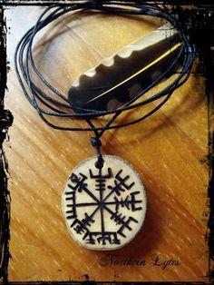 Wolf Paw Vegvisir - the Viking Compass - Bindrune Pendant - Rune, Viking, Asatru, Pagan, Wolf totem