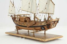 Photos ship model Chinese river junk of 19th century, details Junk Ship, China Map, Model Ships, Rowing, Scale Models, Sailing Ships, Art Sketches, 19th Century, Chinese