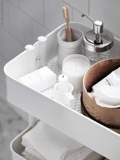Bamboe badkameraccessoires - IKEA Ikea Bathroom, Wood Bathroom, Bathroom Inspo, Bathroom Shelves, Bathroom Styling, White Bathroom, Bathroom Interior Design, Bathroom Inspiration, Small Bathroom