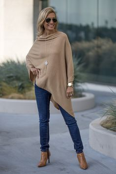 Tan And Ivory Classic Neutrals That Are Always Chic and you can wear for any season to look style for work of any fun weekend outings Winter Mode Outfits, Winter Fashion Outfits, Fall Outfits, Autumn Fashion, Casual Outfits, Fashion Over 50, Look Fashion, Chic Womens Fashion, Cheap Fashion