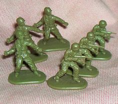 Your place to buy and sell all things handmade Plastic Toy Soldiers, Plastic Soldier, Army Men Toys, Soft Plastic, Old Toys, Vintage Toys, Wwii, Army Guys, Scale