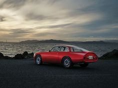 1962 Alfa Romeo Giulietta SZ II Coda Tronca | I4, 1,290 cm³ | 100 hp | design: Ercole Spada, Zagato