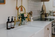 Butler Sink With Brass Tap And Aesop Handwash - A Modern Country Farrow & Ball Downpipe And Skimming Stone Kitchen With Oak Parquet Flooring Stone Kitchen, Kitchen Taps, Kitchen Paint, Kitchen Island, Home Decor Quotes, Home Decor Uk, Rock My Style, Style Uk, Country Kitchen Inspiration
