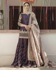 Buy Designer Georgette Sarees Online in India Indian Designer Sarees, Indian Sarees Online, Designer Sarees Online, Indian Designer Wear, Pakistani Wedding Outfits, Pakistani Dresses, Indian Dresses, Indian Outfits, Pakistani Couture