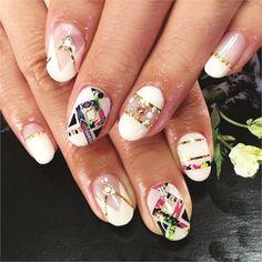 nailart using nail wraps by Nail Art Gallery nailartgallery.na by N - nailart using nail wraps by Nail Art Gallery nailartgallery. Chic Nails, Classy Nails, Fun Nails, Pretty Nails, Spring Nail Trends, Spring Nails, Classy Nail Designs, Nail Art Designs, Plain Nails