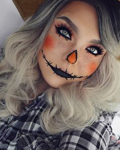 23 Cute Makeup Ideas for Halloween 2018 Cute Scarecrow Halloween Makeup Idea Halloween 2018, Scarecrow Halloween Makeup, Halloween Makeup Looks, Cute Scarecrow Costume, Scary Halloween, Simple Halloween Costumes, Beautiful Halloween Makeup, Halloween Stuff, Vintage Halloween