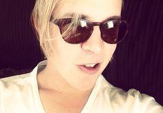 Tom Odell Tom Odell, Cat Eye Sunglasses, Toms, Celebs, Singer, Beautiful, Babe, Style, Happy