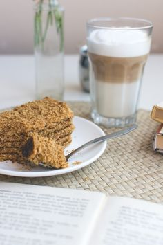 Typical czech honey cake with Caffé Latté - download this beautiful picture in hi-res for FREE from foodiesfeed.com / #free #download #hires #foodphotography #food #picture #photography #design #nocopyright #coffee #cake #pastry #sweet #homemade #relax #love Free food pictures