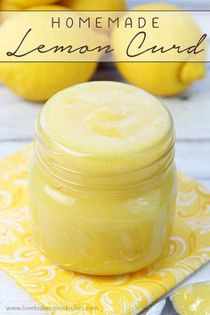 I really want to try subbing this with limes and make a Lime Curd! This Lemon Curd is great with scones, muffins, waffles or used in your favorite desserts! This thick, sweet and citrusy spread is so easy to make at home - its like sunshine on a spoon! Lemon Desserts, Lemon Recipes, Sweet Recipes, Lemon Curd Dessert, Lemon Curd Cake, Lemon Custard, Easy Desserts, Bon Dessert, Dessert Recipes