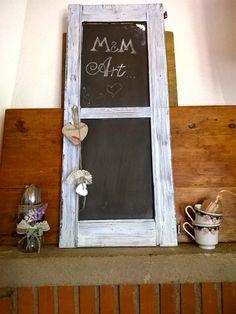 Recupero creativo con una vecchia finestra, M&M Art ha dato vita a una doppia lavagna Shabby chic per casa o per la propria attività  #lovemyjob #riciclare #rispettare #recupero #fattoamano