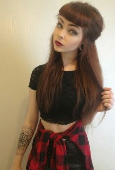 Love her hair and her plugs brown hair pony tail